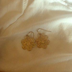 Jewelry - Gold flower earrings, dangle